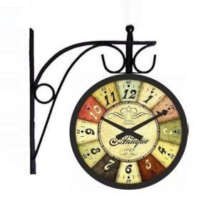 Multicolor London Station Clock